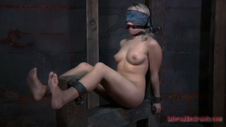 Blindfolded Sophie Ryan is fucked with a sex machine